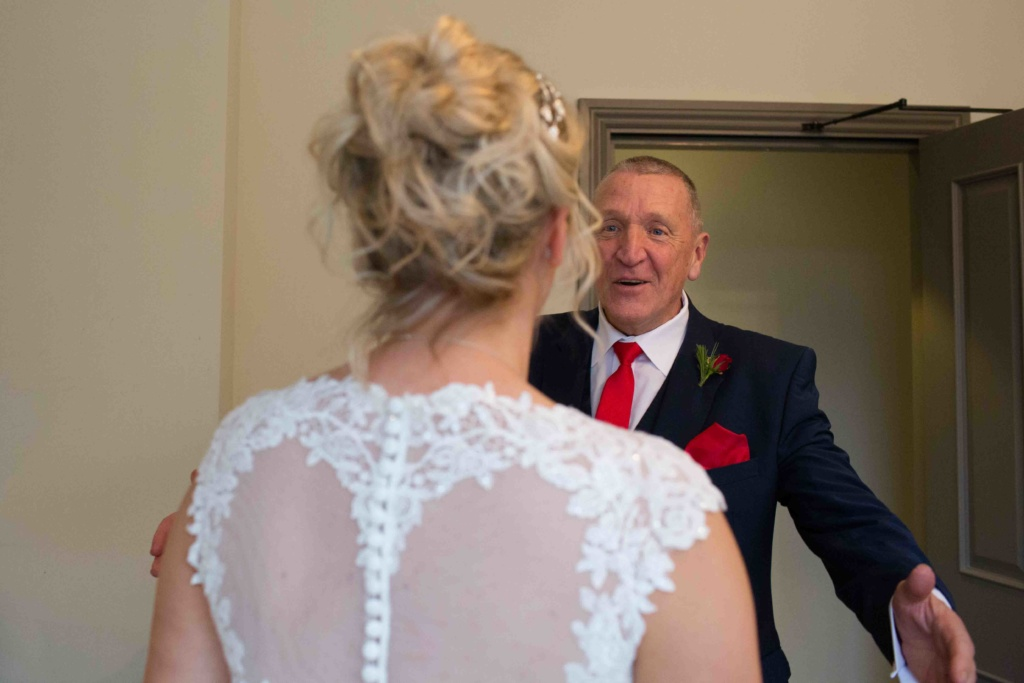 Kings Head Hotel Winter Wedding, Cirencester Bride and Father