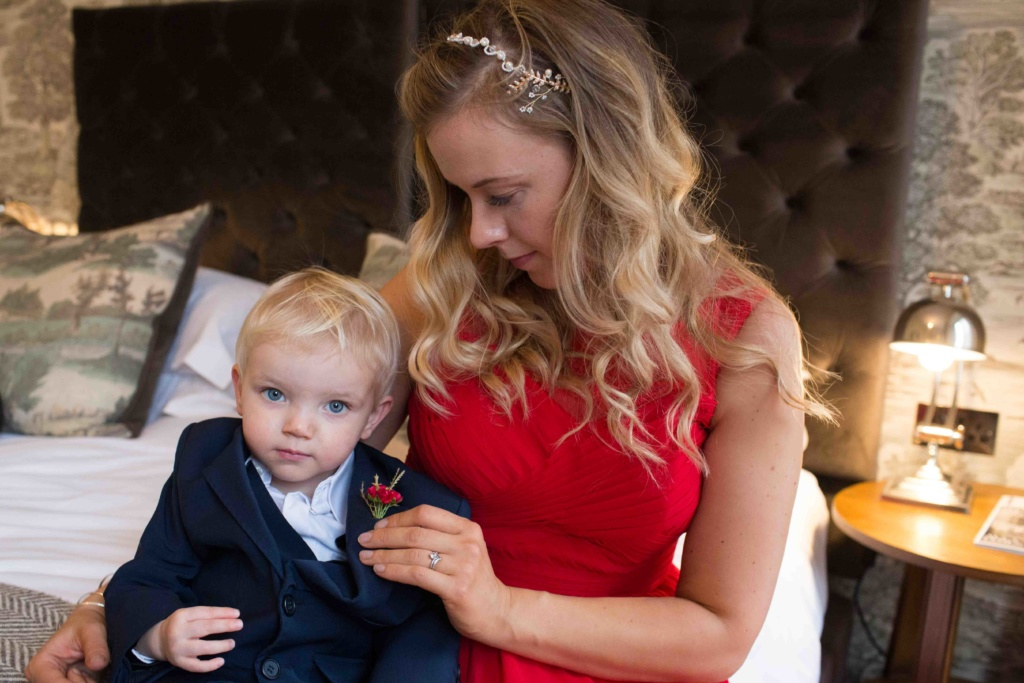 Kings Head Hotel Winter Wedding, Cirencester, Bridesmaid Pageboy Lap