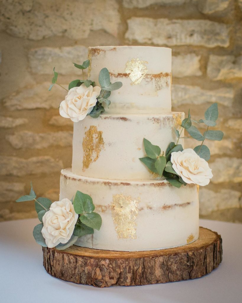 Caswell House, Oxfordshire, Natural Cake Three Tiers