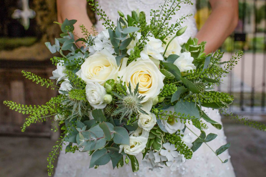 Caswell House, Oxfordshire, Bride Holding Bouquet