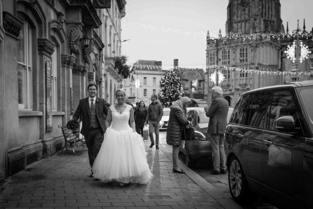 Kings Head Hotel Winter Wedding, Cirencester, Market Place
